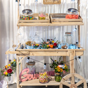 Deco candy bar